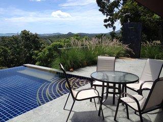 2BR Seaview Villa Laurenz, Mae Nam