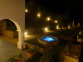 Villa Claudia - Lovely villa with Jacuzzi hot tub, Anacapri
