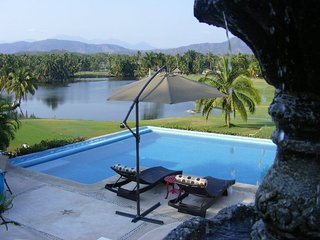 Rent Beautiful House in Club de golf Ixtapa