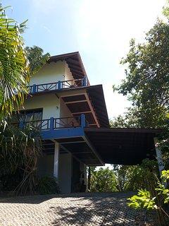 3BR Seaview Villa Leila