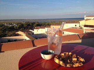 Villa vue panoramique sur Etangs Garrigues et la mer