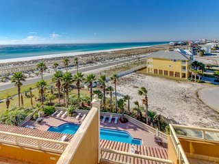 Condo with breathtaking Gulf views from balcony plus shared pool & hot tub