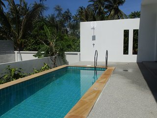 2BR Villa Tan -15 mins walk to beach, Mae Nam
