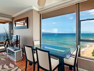 Absolutely Oceanfront-Corner with Side Window- 289, Lahaina