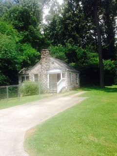 Welcome to the Walnut Grove Guest house! Your great escape awaits!