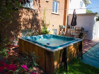Lakebreeze -Hot tub -Huge House-great for families