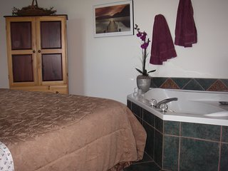 Secluded Beachfront Honeymoon Suite jetted tub fireplace private patio