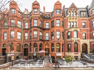 Back Bay 2 bedroom on Newbury, Boston