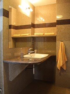 Bedroom 1 - Bathroom