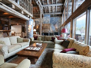 Delectable Wood Eagle 5BR-Villa with Ambiance View, Lech