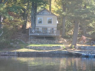 Beautiful Lake House - Magnificent in all 4 Seasons  3 Bed, 2 Bath, Winsted