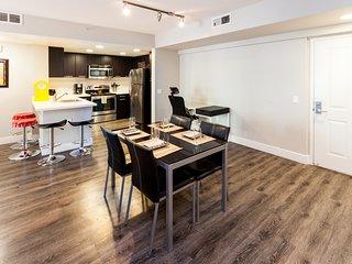 1 Bedroom Corporate Suites in Mid-City Lic145