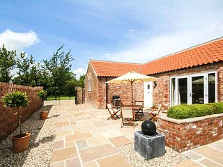 WINSALL COURT I, all ground floor, two en-suites, WiFi, near Bridlington, Ref