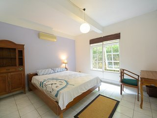 Tropical Garden Private Room 600meters from Beach