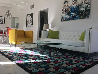 Calm Springs! Retro, Remodeled, Central Palm Springs Oasis