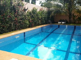 Modern Studio with Pool, Lome Center