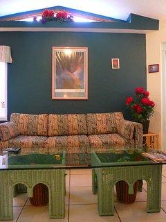 Hawaii Suite Deluxe (larger) One Bedroom Condo