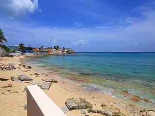 Sunshine at Beacon Hill, St. Maarten - Beachfront, Pool