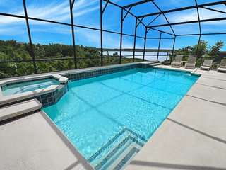 Seven Star, High Spec Villa, South facing pool/spa Lake View - Property 344