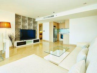 THE CLIFF,luxury 2 bedrooms!