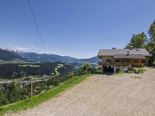 Lechnerhof - Ferienwohnung im Pustertal mit Blick uber Berg und Tal