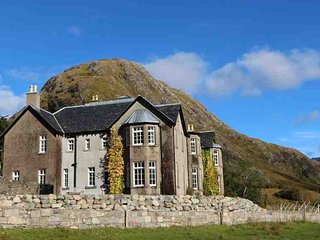 303-Ultimate Scottish Getaway, Glencoe Village