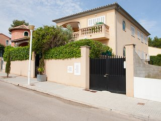 Villa Catalina - chalet with pool near the beach for 10-12 guests in Son Serra