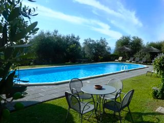 Brigidino with private pool and tennis court, Lamporecchio