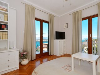 Vongola 2 apartment near beach