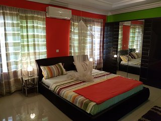 """A comfortable penthouse at """"New Ashongman""""for short stay or long stay"""