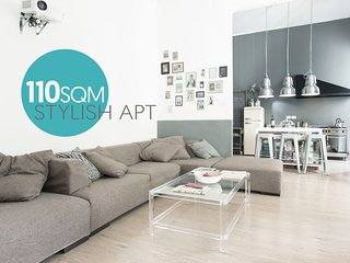 110sqm STYLISH APARTMENT IN THE ELEGANT CHIAIA DISTRICT - NAPOLI CENTER