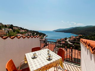 2BDR app,5persons, sea view,WiFi,AC  469