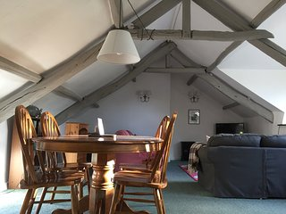 Swallow Barn 300 year old converted barn sleeps 5