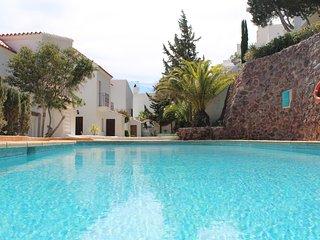 Villa Genoves.