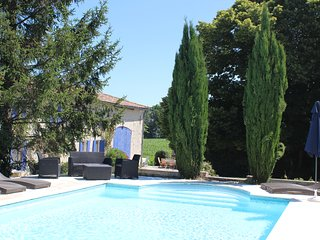 Typical Charentaise farmhouse with private heated pool (5 bedroom, 3 bathroom), Saint Germain de Vibrac