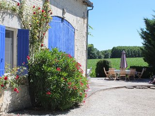 Typical Charentaise farmhouse with private heated pool (5 bedroom, 3 bathroom)