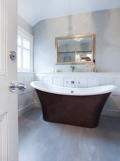 Albion roll top bath tub, big enough for two!