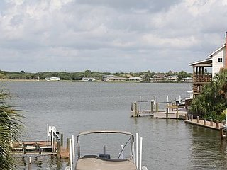 Upscale Key Allegro Retreat with views of Little Bay, Rockport