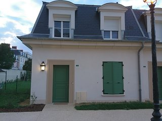 HOUSE WITH GARDEN 10P  5 MIN DISNEYLAND PARIS, Serris