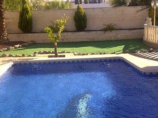 4 Bedroom 4 bathroom Villa with Spa & Swimming Pool on Camposol
