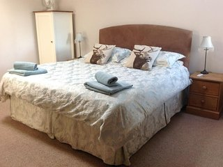 Master super king sized bedroom with en-suite