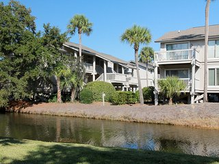 UPDATED - AVAILABLE FEBRUARY! Luxury 2 Bedroom Wild Dunes Condo, Pool, Walk to Beach, Sleeps 8, Isle of Palms