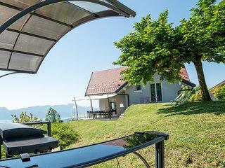 Gite LaurieRaphael, superbe vue lac et montagne, tout confort