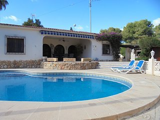 Casa Constantina Traditional Spanish Villa with private pool in great location !, Moraira