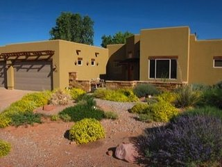 Luxury & Comfort in this Custom Home in the Redrocks, Moab