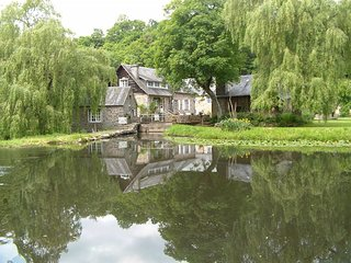 Romantic  riverside cottage set on it's own waterfall!, Vire-Normandie