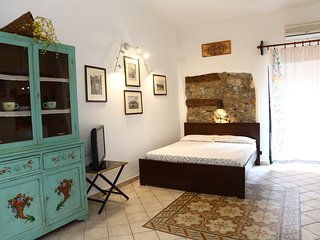 Central apartment with balcony in Cefalu old town center