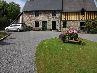 Maison May B&B Double Room with private bathroom., La Chapelle-Uree