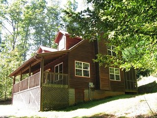 Mountaineer Privacy w Hot Tub, Firepit, King Beds!, Sautee Nacoochee