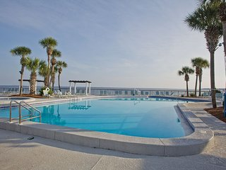 Bayside at Sandestin Studio with Bay view Balcony Free WiFi, Pool, & Parking